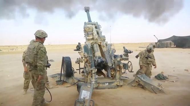 Một khẩu đội lựu pháo Howitzer 155mm M777A2 đang hoạt động trên chiến trường Iraq - ảnh Masdar News