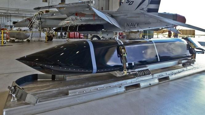 Tên lửa hành trình chống tàu tàng hình tầm xa LRASM của hãng Lockheed Martin, phiên bản đường không - ảnh Popular Mechanics