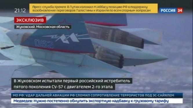 """Nguyên mẫu máy bay chiến đấu Su-57 (T-50-2, số thân """"052"""") bay với động cơ """"sản phẩm 30"""" ảnh Vesti-24"""