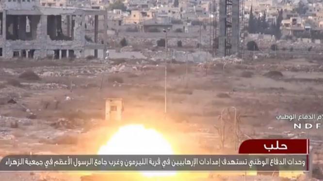 Lực lượng vũ trang Syria bắn phá chiến tuyến của các nhóm Hồi giáo cực đoan ngoại ô Aleppo - ảnh video NDF