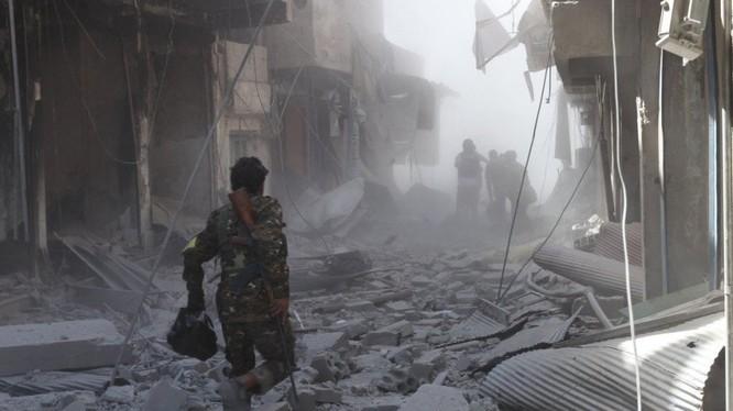 Thành phố Raqqa tan hoang sau cuộc chiến chống IS của SDF và liên quân do Mỹ dẫn đầu - ảnh Masdar News