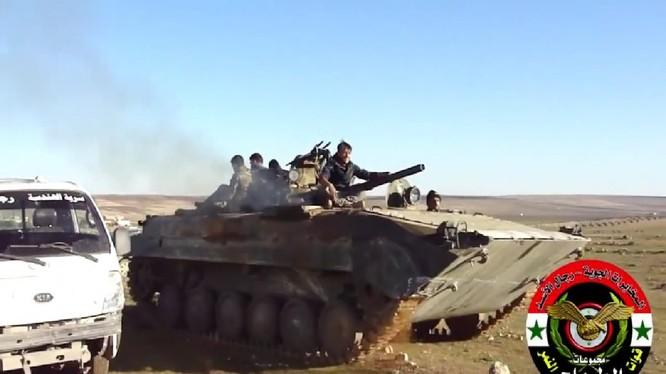 Binh sĩ lực lượng Tiger tiến công trên chiến trường Idlib - ảnh minh họa Masdar News