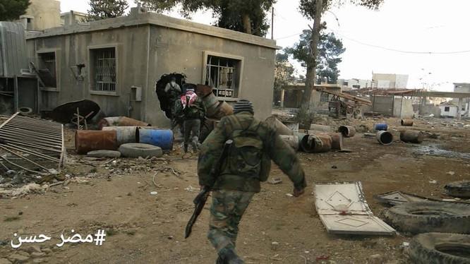 Binh sĩ quân đội Syria chiến đấu trong khu vực Đông Ghouta - ảnh Masdar News