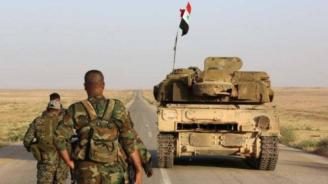 Các đơn vị lực lượng Tiger trên đường tiến công ở vùng nông thôn tỉnh Idlib - ảnh Masdar News