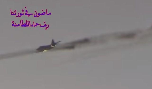 Su-25 không kích trên chiến trường Idlib, ảnh minh họa video đối lập Syria