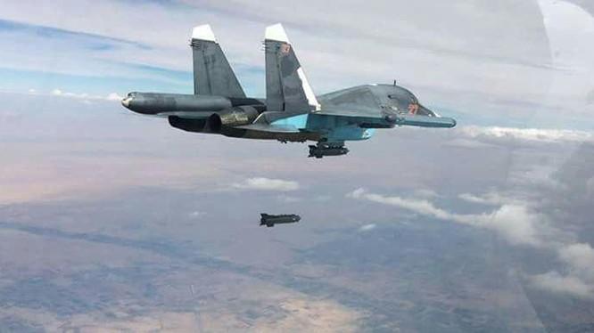 Máy bay ném bom Su-34 không kích trên chiến trường Syria - ảnh minh họa Masdar News