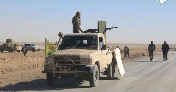 Lực lượng SDF tiến công trên chiến trường Deir Ezzor - ảnh minh họa Masdar News