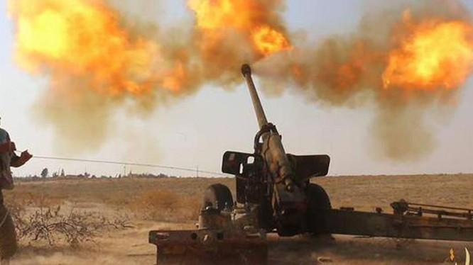 Pháo binh quân đội Syria tập kích chiến tuyến HTS - ảnh minh họa Masdar News