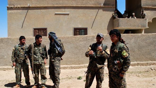 Những chiến binh SDF trên chiến trường Deir Ezzor - ảnh minh họa Masdar News