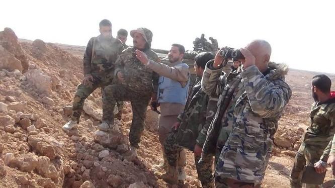 Sĩ quan và binh sĩ lực lượng Vệ binh Cộng hòa trên chiến trường tỉnh Idlib - Aleppo