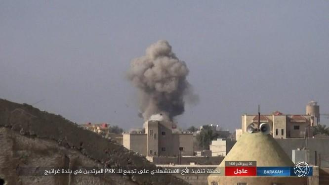 Xe đánh bom tự sát phát nổ ở Gharanij phía đông nam tỉnh Deir Ezzor - ảnh trang Amaq
