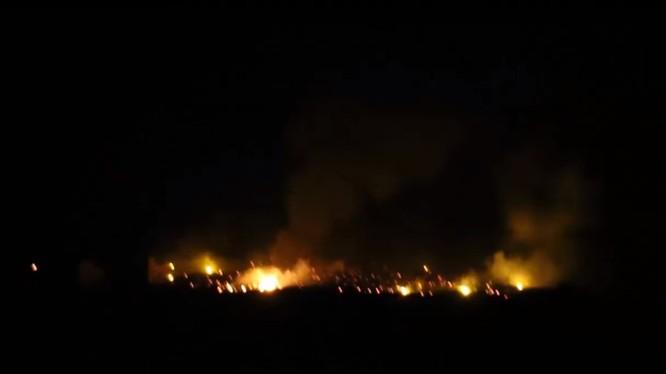 Không quân Nga không kích ác liệt đêm ngày 17.01.2018 trên vùng nông thôn miền bắc Hama - ảnh video Muraselon