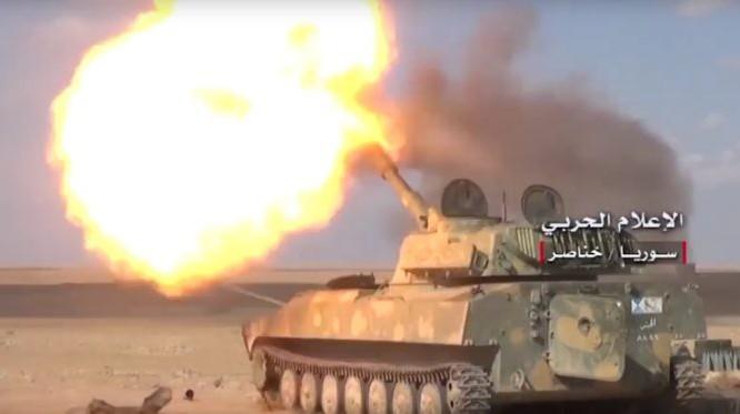 Pháo tự hành quân đội Syria dội lửa trên chiến trường Aleppo - ảnh minh họa Muraselon