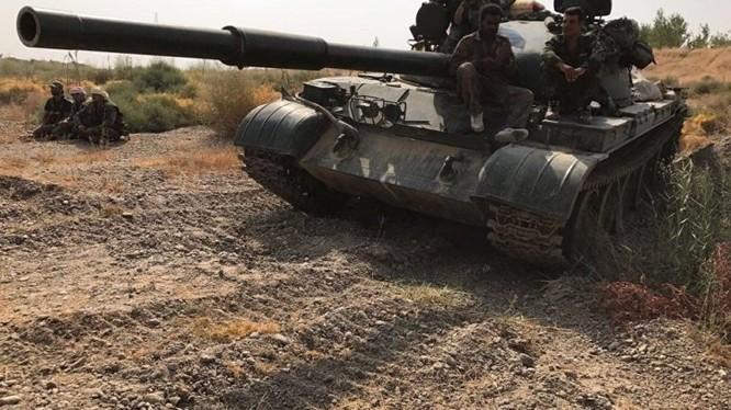 Xe tăng quân đội Syria tiến công trên vùng nông thôn Aleppo - ảnh minh họa Muraselon
