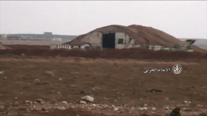 Căn cứ sân bay quân sự Abu Al-Duhur hoàn toàn giải phóng - ảnh minh họa video truyền thông quân đội Syria