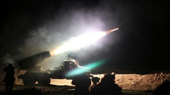 Pháo phản lực Syria phóng đạn, ảnh minh họa Masdar News