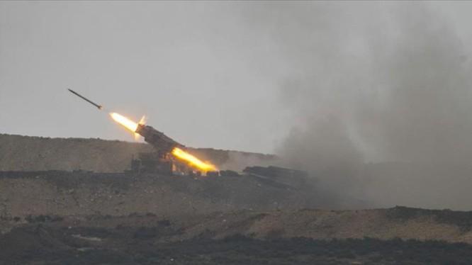 Pháo phản lực Thổ Nhĩ Kỳ dội lửa vào người Kurd ở Afrin - Aleppo