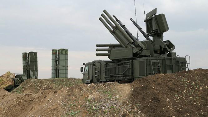 Tổ hợp pháo - tên lửa phòng không tầm gần Pantsir-S1 trên chiến trường Syria