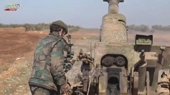 Lực lượng pháo binh quân đội Syria trên chiến trường Idlib, ảnh minh họa Masdar News
