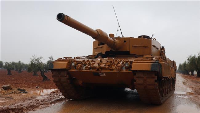 Xe tăng Thổ Nhĩ Kỳ tiến công trên chiến trường Afrin - ảnh minh họa Masdar News