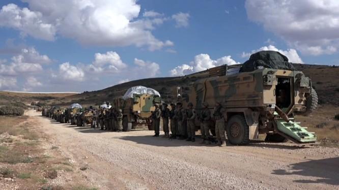 Đoàn xe quân đội Thổ Nhĩ Kỳ tiến vào Aleppo - ảnh minh họa Masdar News