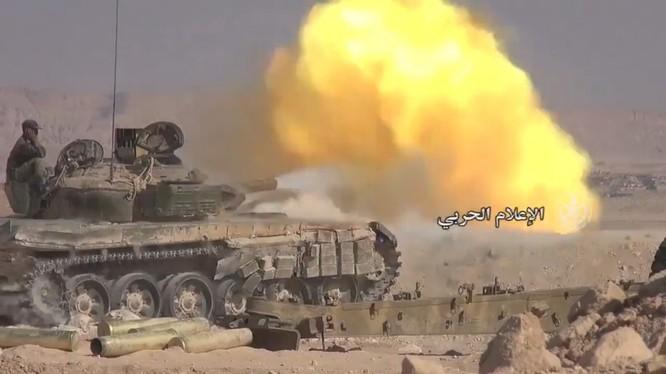 Quân đội Syria tấn công trên sa mạc Deir Ezzor - ảnh minh họa Masdar News