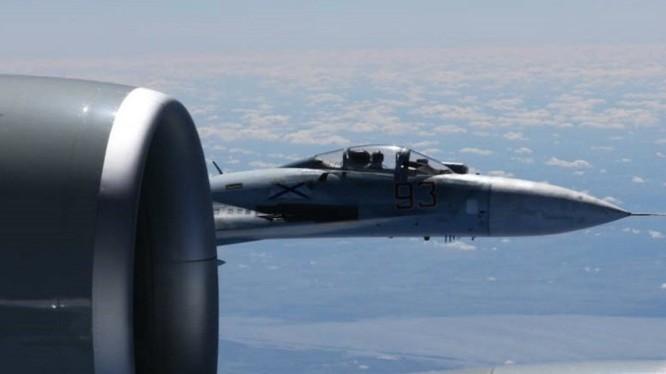 Máy bay Su-27 Nga trong một hoạt động sẵn sàng chiến đấu trên biển Đen - ảnh minh họa Sputnik