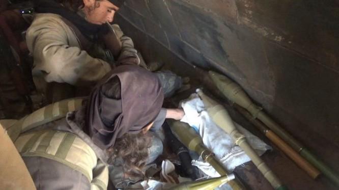 Các táy súng khủng bố IS chuẩn bị cho cuộc tấn công - ảnh trang Amaq