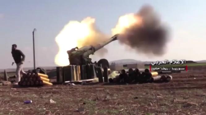 Pháo binh quân đội Syria tiến công trên chiến trường Aleppo
