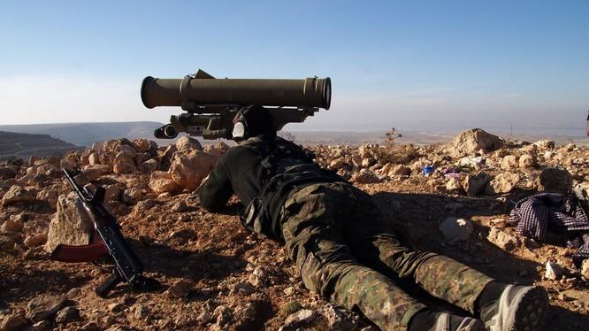 Chiến binh người Kurd thuộc lực lượng YPG sử dụng tên lửa chống tăng ATGM ở Afrin - ảnh minh họa Muraselon
