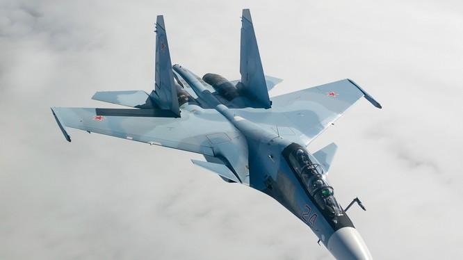 Máy bay chiến đấu đa nhiệm chiếm ưu thế trên không Su-30SM. Ảnh minh họa của Masdar News