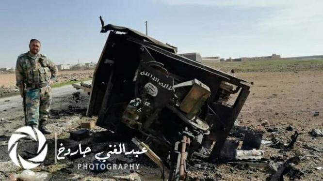Xe cơ giới gắn súng máy phòng không IS bị phá hủy. Anh Masdar News