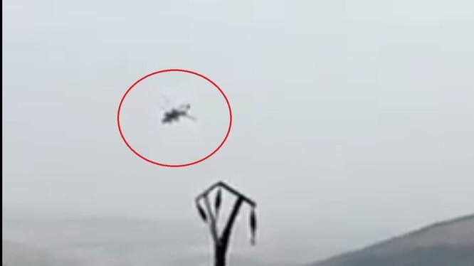Trực thăng Thổ Nhĩ Kỳ trên khu vực Afrin trước khi bị bắn hạ. ảnh minh họa video