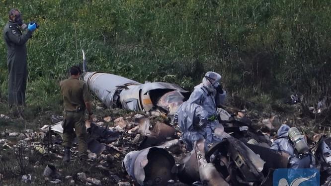 Chiếc tiêm kích đa nhiệm F-15 Israel bị bắn hạ. ảnh minh họa China Xinhua News