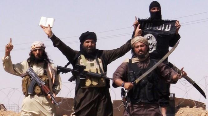 Các tay súng khủng bố giành thắng lợ trước phiến quân ở Idlib