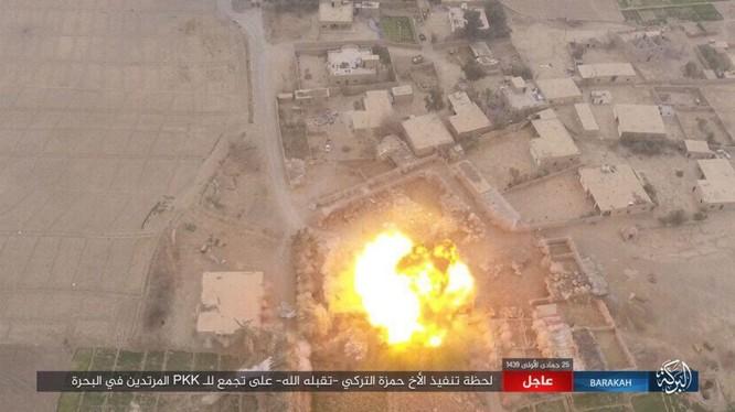 IS tấn công bằng xe bom tự sat VBIED nhằm vào lực lượng SDF ở Deir Ezzor. Ảnh trang Amaq của IS