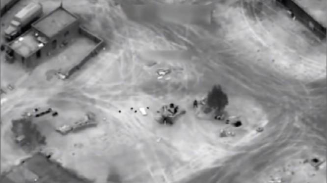 Không quân Mỹ không kích phá hủy xe tăng quân đội Syria ở Deir Ezzor