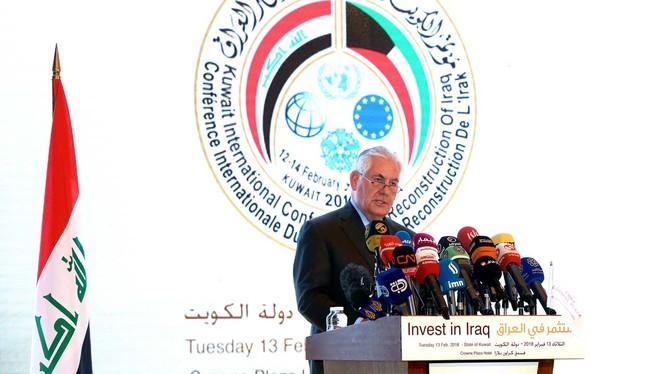 Ngoại trưởng Mỹ Mỹ Rex Tillerson, kêu gọi đầu tư vào tái thiết Iraq trong cuộc họp Bộ trưởng liên minh toàn cầu chống khủng bố ở thành phố Kuwait - ảnh Reuters