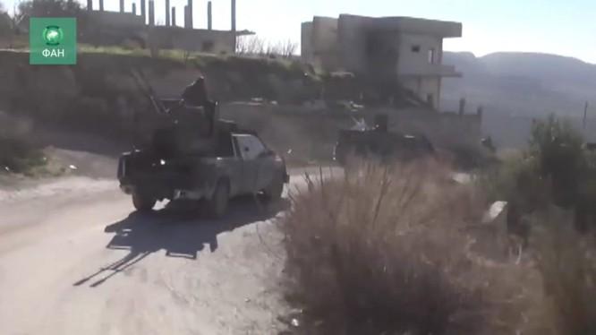 Binh sĩ quân đội Syria tăng cường khả năng chiến đấu trên vùng nông thôn đông bắc Latakia - ảnh minh họa video