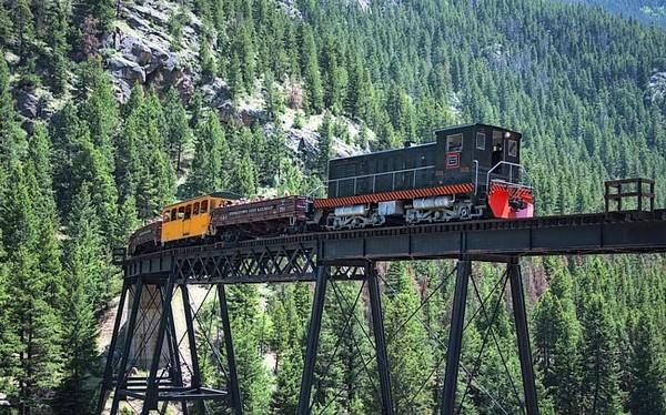 Một trong tuyến đường sắt nguy hiểm nhất trên thế giới - Tuyến đường sắt Georgetown Loop