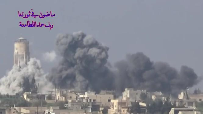 Không quân Nga không kích thị trấn Al-Latamenah, miền bắc Hama - ảnh minh họa video