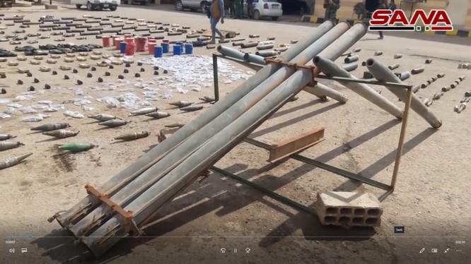 Kho vũ khí của lực lượng khủng bố IS trên chiến trường Deir Ezzor - ảnh video truyền thông SANA