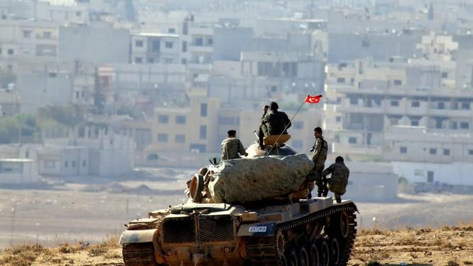Xe tăng quân đội Thổ Nhĩ Kỳ trên chiến trường Aleppo - Syria