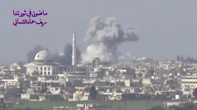 Không quân Nga không kích dữ dội thị trấn Kafr Zita trên vùng nông thôn miền Bắc Hama - ảnh minh họa video