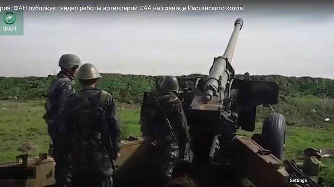 Quân đội Syria pháo kích khủng bố ở khu vực Rastan, Homs - ảnh minh họa video