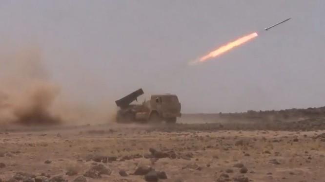 Các nhóm chiến binh Hồi giáo pháo kích vào trận địa của quân đội Syria ở Qatamoun - ảnh minh họa Muraselon