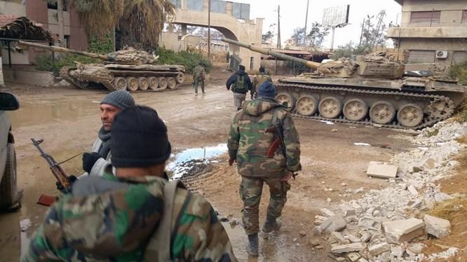 Tăng thiết giáp lực lượng Vệ binh Cộng hòa trên chiến trường thị trấn chiến lược Aftris. Ảnh minh họa Masdar News