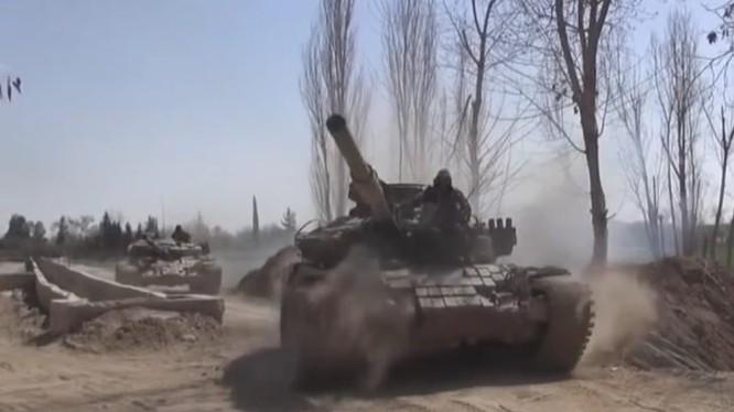 Xe tăng lực lượng Tiger tiến công trên chiến trường Đông Ghouta - ảnh minh họa video