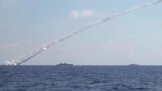 Hải quân Nga phóng tên lửa Kalibr vào lực lượng Hồi giáo cực đoan ở Damascus. Ảnh minh họa South Front