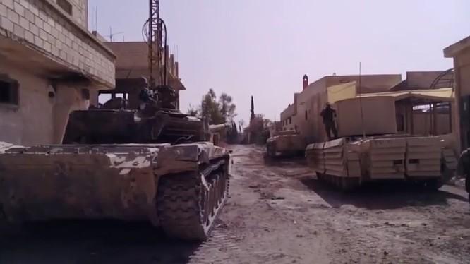 Lực lượng tăng thiết giáp Tiger trên chiến trường Đông Ghouta. Ảnh minh họa Masdar News